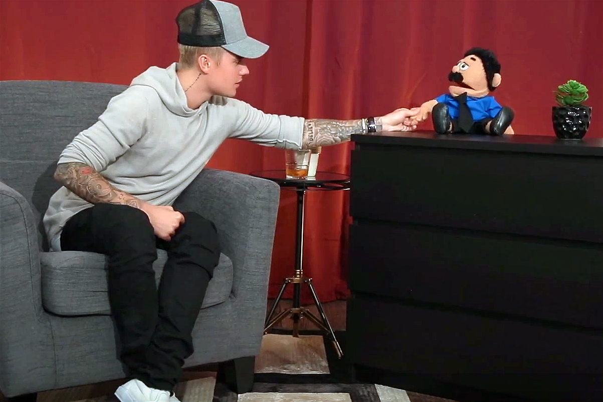 Justin Bieber Impersonates Robert De Niro in Puppet Interview