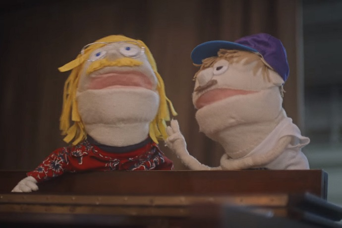 Mac DeMarco Performs With Puppets & Classroom Full of Kids