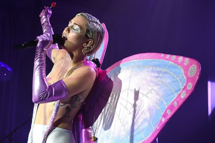 Miley Cyrus and The Flaming Lips Will Play a Naked Concert