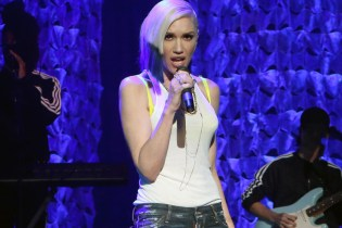 "Watch Gwen Stefani Perform ""Used To Love You"" on 'Ellen'"
