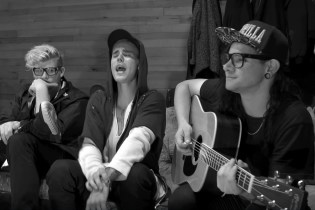 "Watch Justin Bieber & Skrillex Perform Acoustic Version of ""Sorry"""