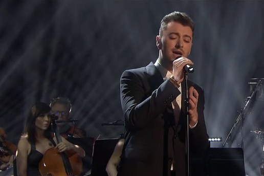 "Watch Sam Smith Perform ""Writing's On the Wall"" With an Orchestra"