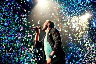Coldplay featuring Beyonce - Hymn For The Weekend