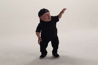"Watch Verne Troyer Dance to Drake's ""Hotline Bling"""
