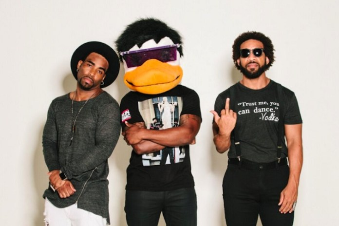 WatchTheDuck featuring Pharrell - Stretch 2-3-4