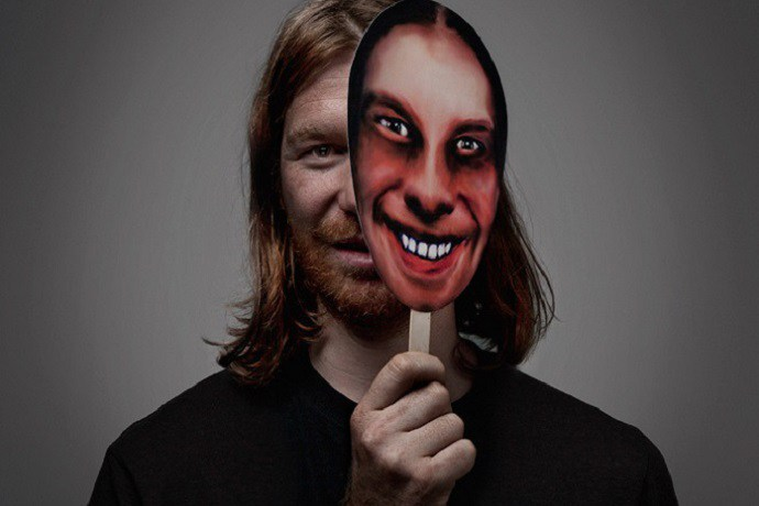 """Aphex Twin Continues to Experiment with """"T17 Phase Out"""""""