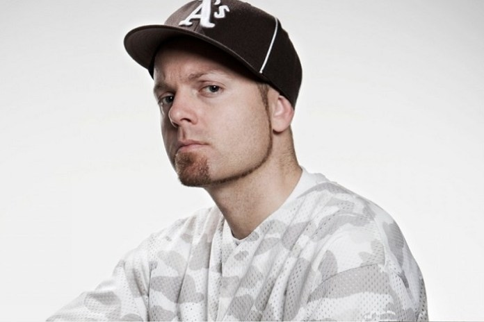 """DJ Shadow Switches up Signature Style for """"Swerve"""""""