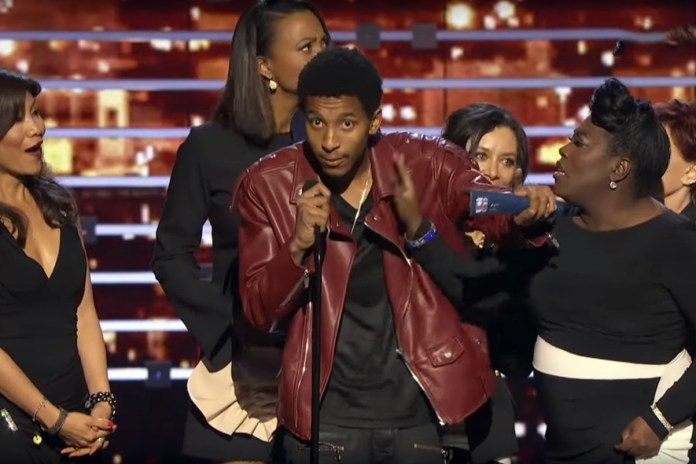A Kanye West & Kevin Gates Fan Crashed the People's Choice Awards Stage