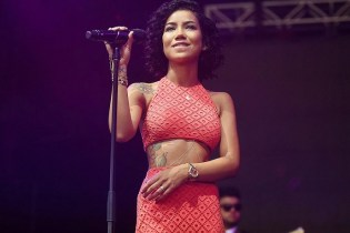 "Jhene Aiko Digs Deep for ""B's & H's"""