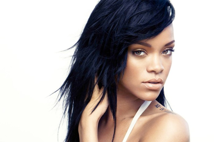 Rihanna's New Album Reportedly Sold Just 460 Copies in Its First Week