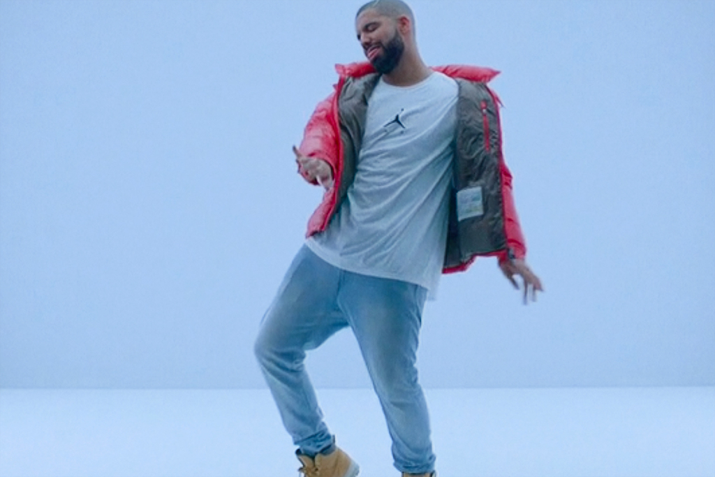 "Apple Funded Drake's ""Hotline Bling"" Video"