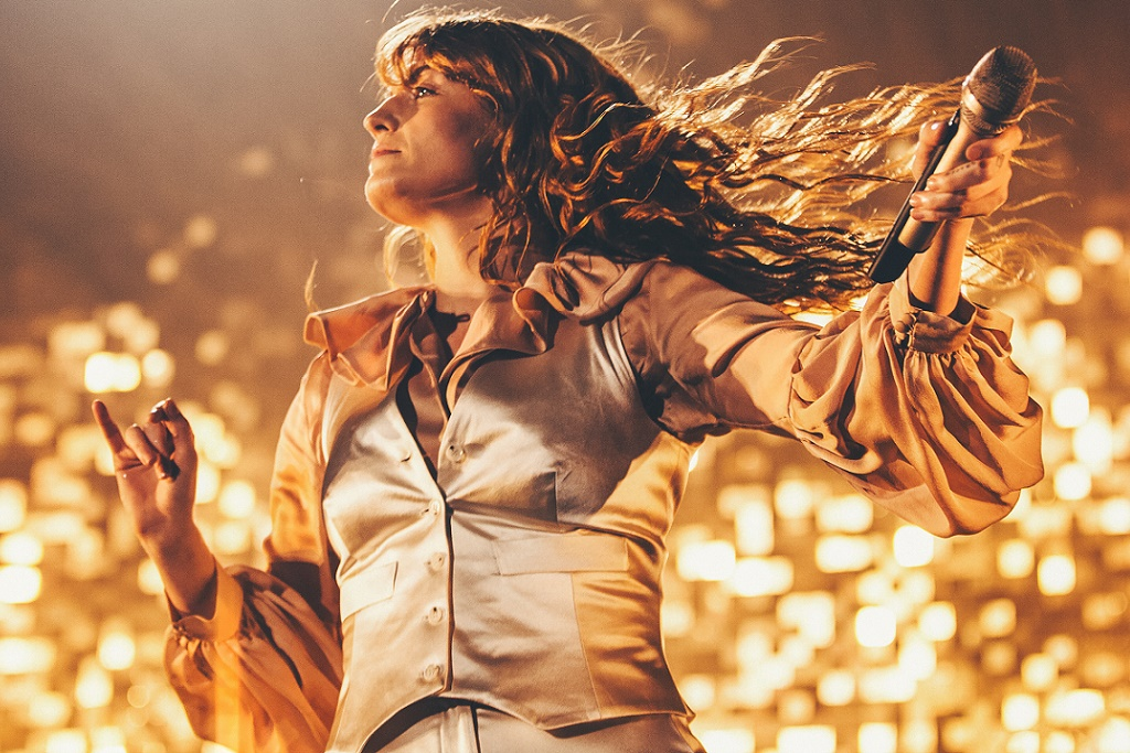 "Florence + The Machine Cover Fleetwood Mac's ""Silver Springs"""
