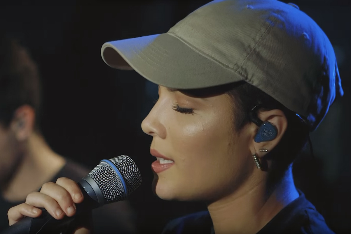 "Halsey Covered Justin Bieber's ""Love Yourself"" in a Yeezus Shirt"