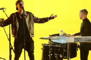 "Watch Justin Bieber & Jack U Perform ""Love Yourself"" & ""Where Are U Now"" at the GRAMMYs"
