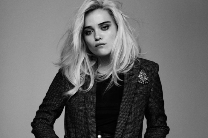 "Sky Ferreira Joins Primal Scream for ""Where The Light Gets In"""