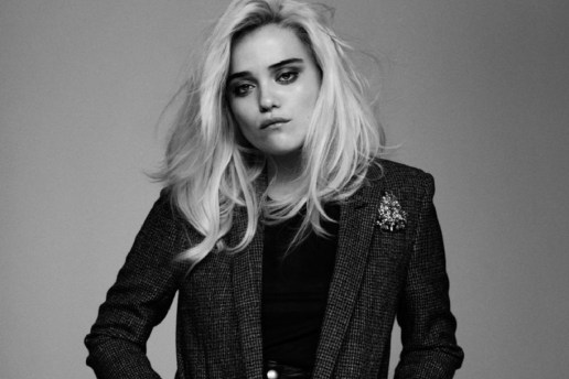 """Sky Ferreira Joins Primal Scream for """"Where The Light Gets In"""""""