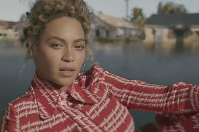 Beyoncé Causes Freak Out in SNL's New Skit