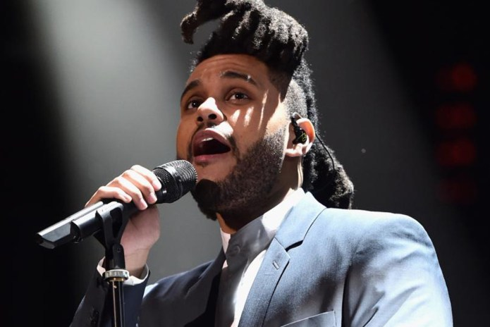 "The Weeknd Performs ""Can't Feel My Face"" & ""In the Night"" at the 2016 GRAMMYs"