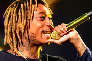 "Wiz Khalifa Performs Travi$ Scott Collab ""Bake Sale"" on 'Fallon'"