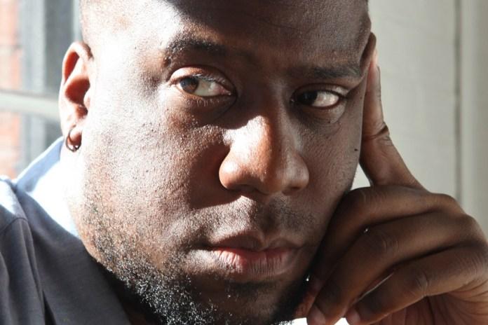 "Robert Glasper & Bilal Unite to Rework Miles Davis on ""Ghetto Walkin"""