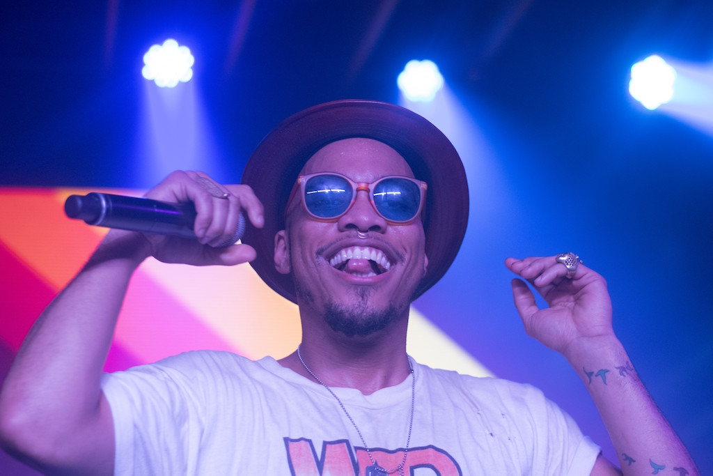 """Watch Anderson .Paak Perform """"Am I Wrong"""" and """"Come Down"""" Live at KCRW"""