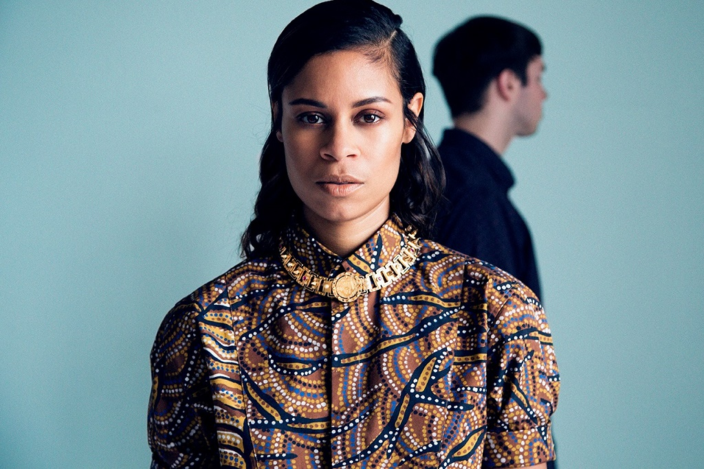 """AlunaGeorge & Flume Go the Time-Lapse Route for """"I Remember"""" Video"""