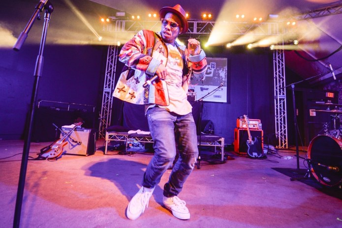 """Anderson .Paak Brought Out T.I. For """"About the Money"""" & """"Bring Em Out"""" at Coachella"""
