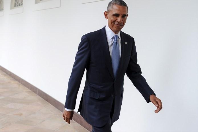 """Barack Obama Raps to Desiigner's """"Panda"""" in Mashup"""