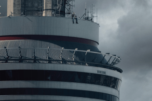 Officials From Toronto's CN Tower Says Drake's 'Views From the 6' Artwork Photoshopped