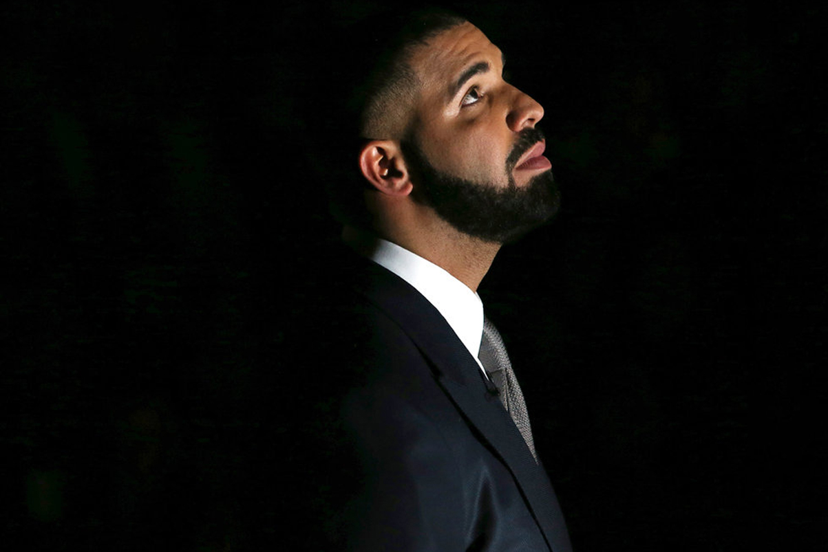 Drake Takes on His Memes   Feuds in 'Saturday Night Live' Return