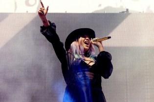 """Kesha & Zedd Perform """"True Colors"""" at Coachella"""