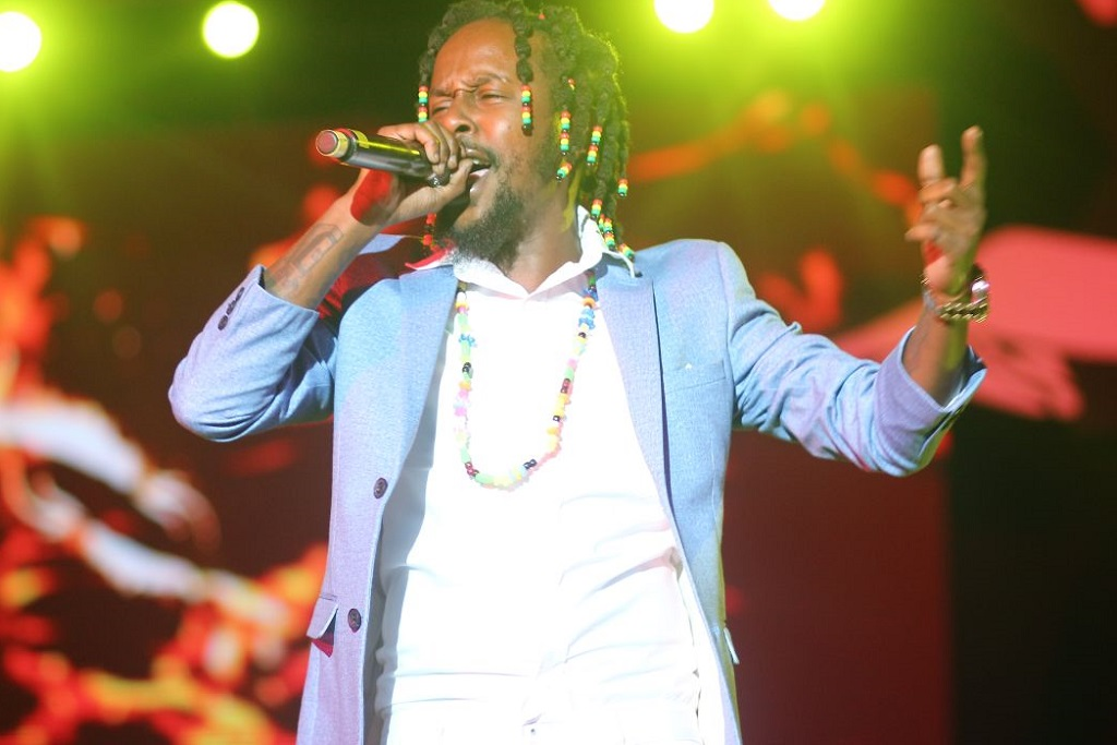 "Following His Credits on Drake's 'VIEWS,' Popcaan Drops New Single ""Ova Dweet"""