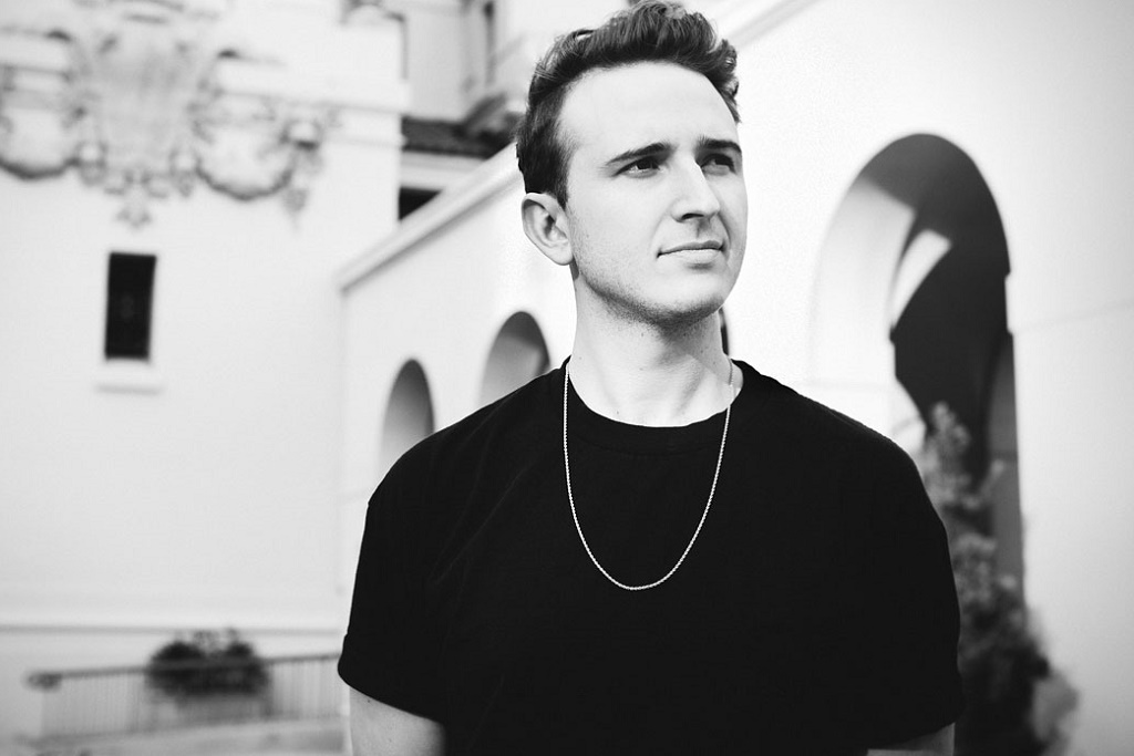 """RL Grime Shares First New Single of 2016, """"Aurora"""""""