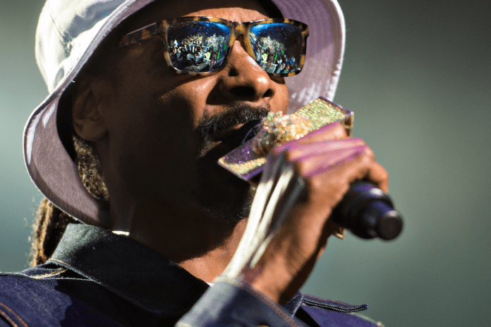Listen to Snoop Dogg & MikeWillMade-It's New Single for 4/20