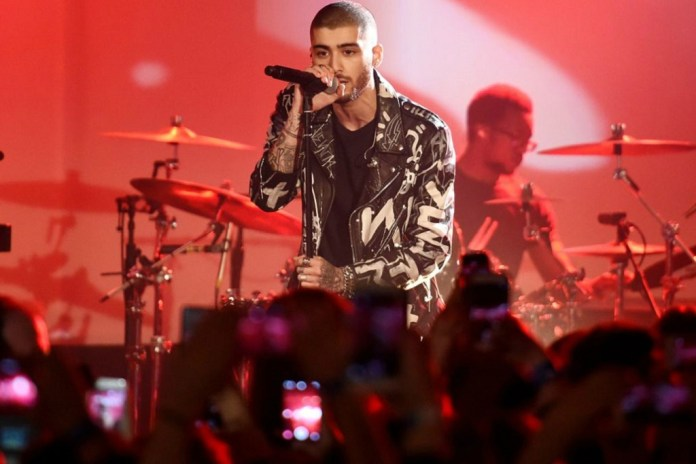 "Zayn Performs ""Like I Would, ""It's You"" & ""Truth"" at NYC's iHeartRadio Theater"