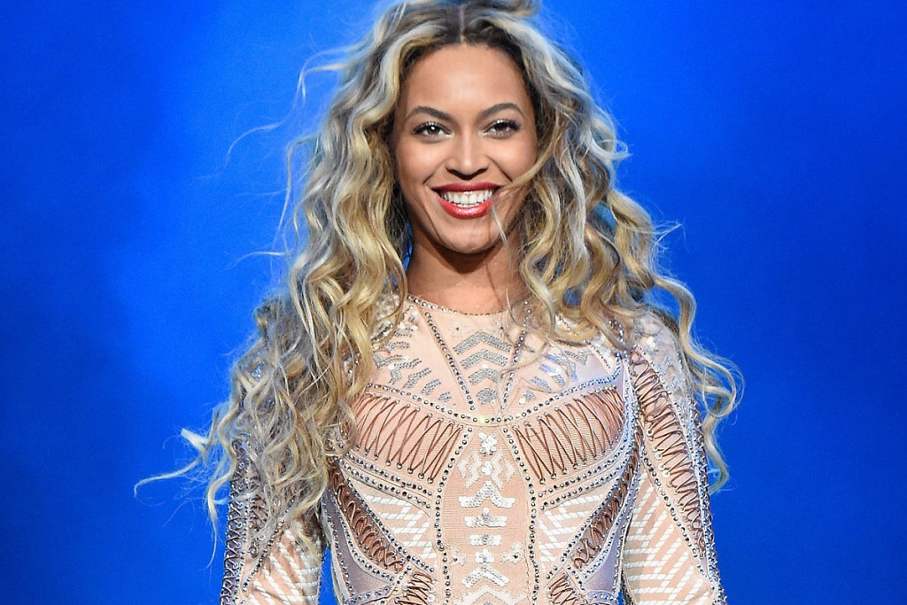 Beyonce & Prince Dominate the Billboard Charts