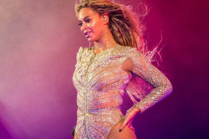 """Beyonce Covers Prince's """"The Beautiful Ones"""""""