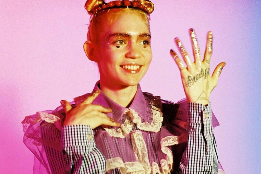 """Grimes Introduces the Video for 'Art Angels' Track """"California"""""""