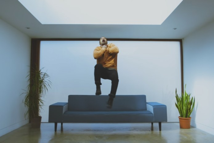 """Nao Shares Riveting Video for """"Fool to Love"""""""