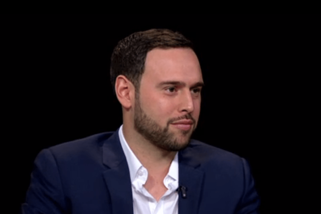 Scooter Braun Explains What It Is Like to Manage Kanye West