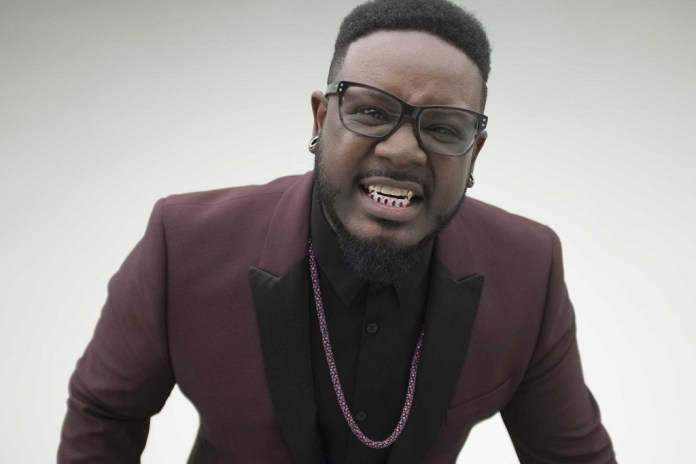 """T-Pain Had a Lot of Fun Filming New Video for """"Laugh N Dab"""""""