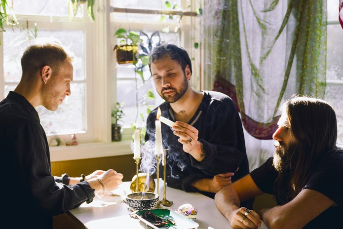 """Unknown Mortal Orchestra Addresses Societal Corruption in New Song, """"First World Problem"""""""