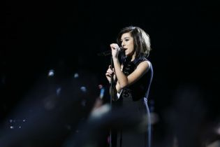 Singer Christina Grimmie Shot and Killed After Concert