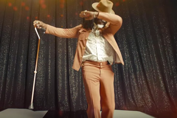 "Watch Jamie Foxx Parody as Future's Dad, ""Past"""