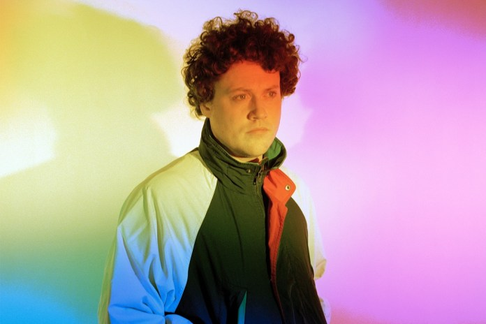 """Robyn & Metronomy Unite for """"Hang Me Out to Dry"""""""
