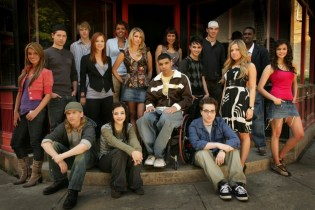 A 'Degrassi' Reunion Is Happening