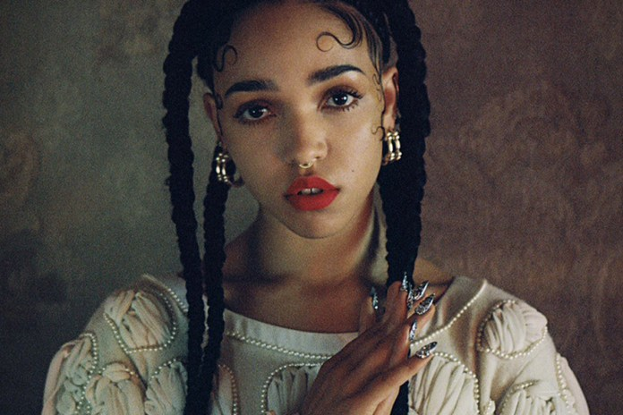 "FKA twigs Debuts New Music During ""Radiant Me²"" Live Show"