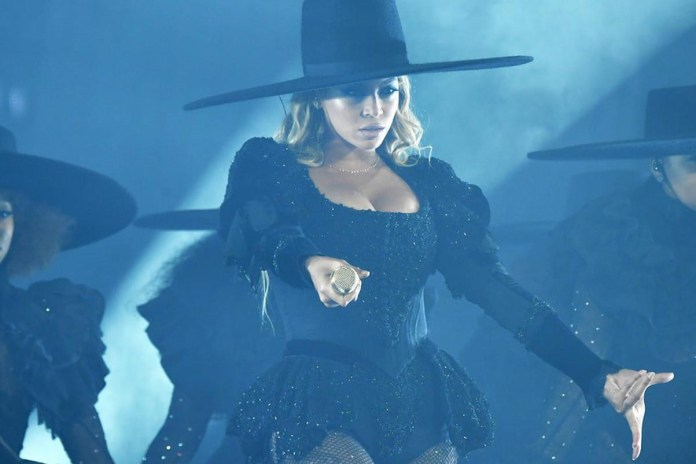 2016 MTV Video Music Awards (Performances)