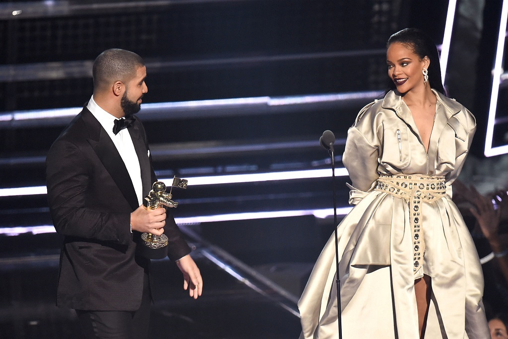 Drake Continues to Show His Love for Rihanna