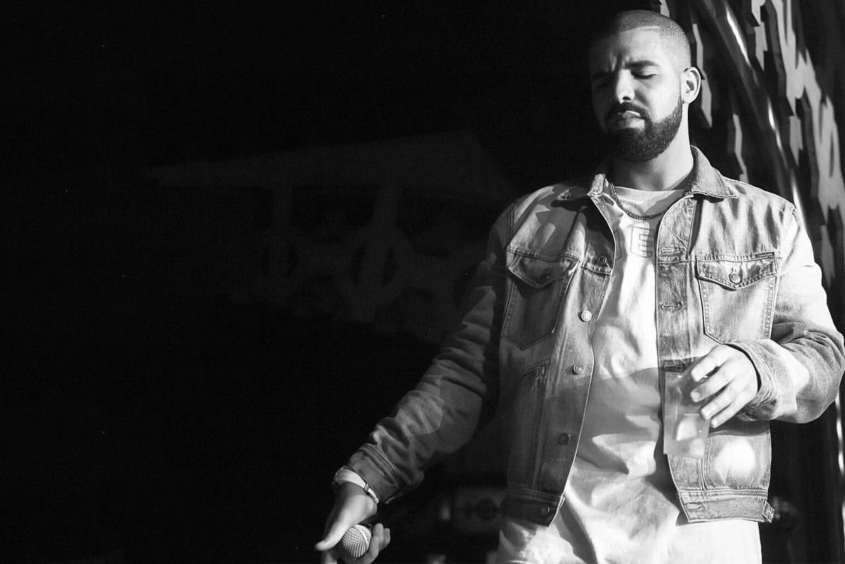 Drake Goes Savage Mode at Philadelphia 'Summer Sixteen' Show